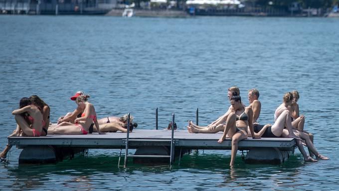 Zürich Zürichsee Floss Hitze Sommer