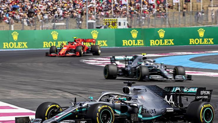 Start zum GP Frankreich: Lewis Hamilton und Valtteri Bottas schon deutlich vor Charles Leclerc im Ferrari
