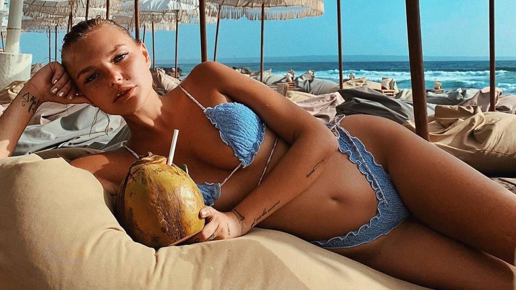 Bonnie Strange lässt auf Bali die Sau raus