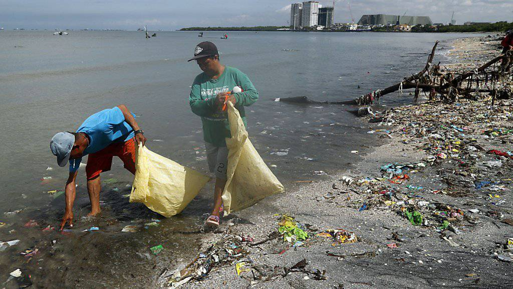 In einer Woche wurden an einem indonesischen Strand 54'000 Plastikteile gesammelt.