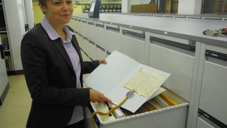 Barbara Studer, Stellvertreterin des bernischen Staatsarchivars.