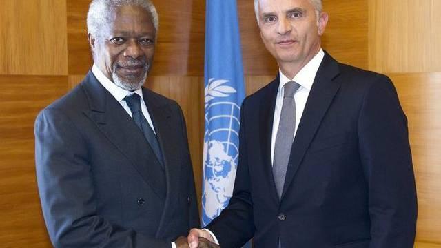Kofi Annan (links) und Didier Burkhalter in Genf