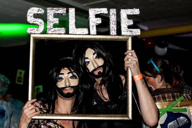 Selfie mit Conchita - die Sieger der Kategorie Paarmasken
