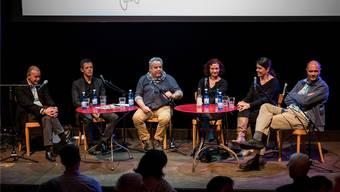 (V. Links) Robert Sailer, Thomas Lütolf, Urs Tremp, Vesna Thomse, Bila Sibylle Ciarloni und Philip Klaus die Frage, «Was heisst schon urban».Patrick Züst