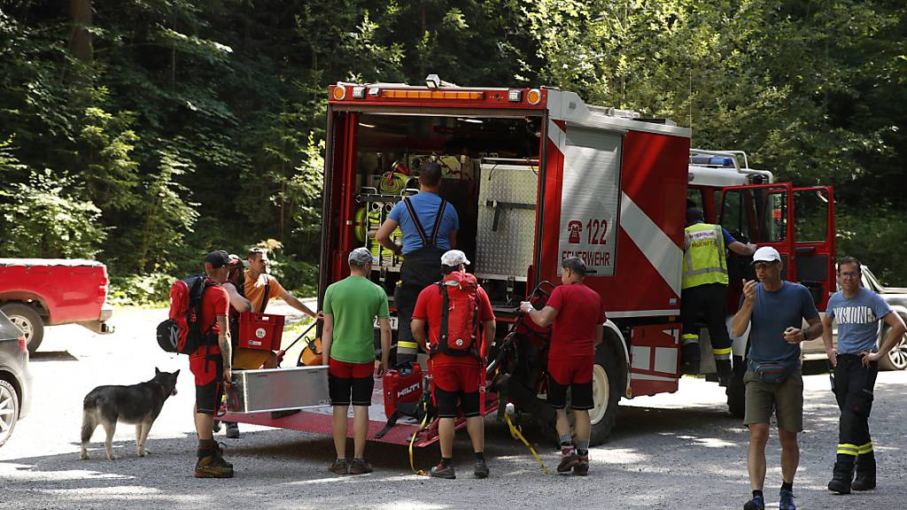 Zwei Tote und acht Verletzte bei Felssturz