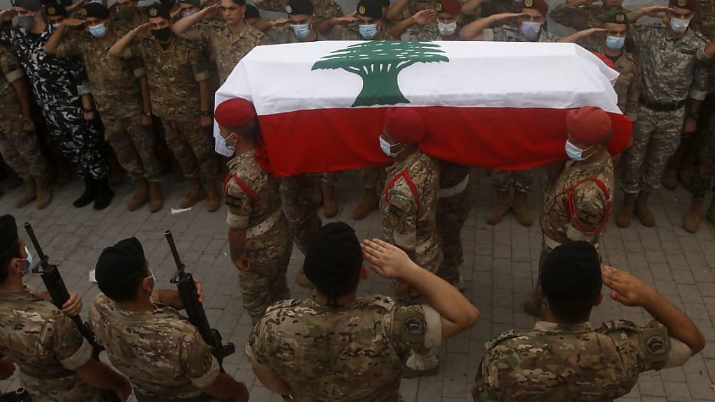 Beerdigung von Opfern nach Explosion in Beirut - Proteste geplant