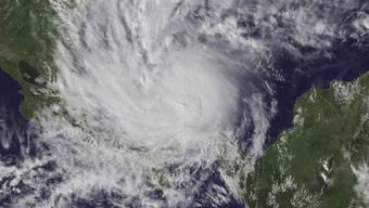 """Hurrikan """"Otto"""" hat die Küste Nicaraguas erreicht."""