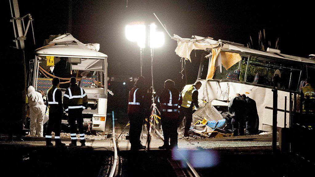 Beim Zusammenstoss zwischen einem Schulbus und einem Zug an einem Bahnübergang in Südfrankreich bei Millas und Saint-Feliu-d'Amont kamen sechs Schüler ums Leben. (Archivbild)