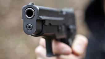 Mit Pistole bedroht (Symbolbild)