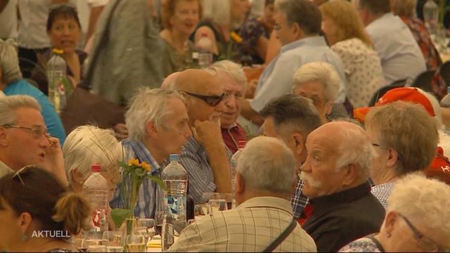 800 ehemalige Heim- und Verdingkinder feiern Wiedergutmachungsinitiative