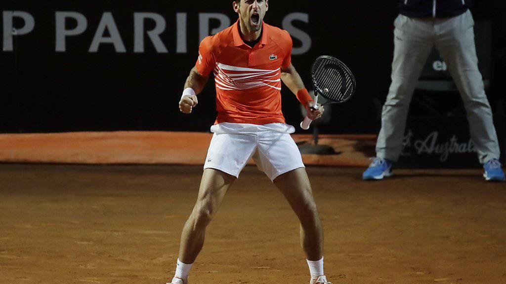 Novak Djokovic jubelt über einen gewonnenen Punkt gegen den Argentinier Juan Martin Del Potro im Viertelfinal von Rom