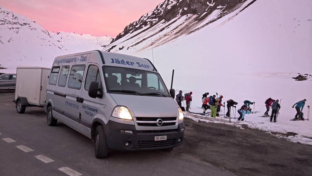 Volle Parkplätze: Nun kommt der Schneetourenbus ins FM1-Land