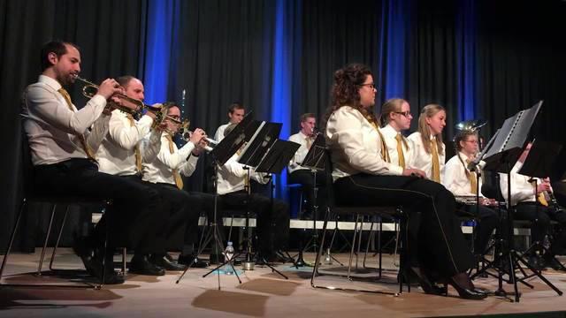 Die Stadtjugendmusik spielte in der Aula des Schulhauses Reitmen