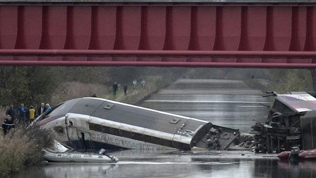 Bei der Entgleisung des TGV starben sieben Personen.