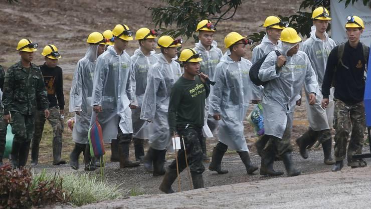 Am Dienstag sollen alle befreit werden – wieder eingesetzter Monsunregen erschwert das Vorhaben allerdings.