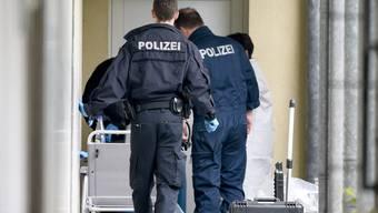 Die Ermittler fanden in der Wohnung in Oberursel eine funktionstüchtige Rohrbombe.