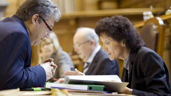 Ein Bild aus dem Jahr 2008: Filippo Lombardi diskutiert mit Bundesrätin Eveline Widmer-Schlumpf im Ständeratssaal.