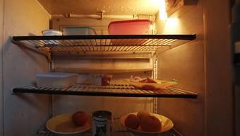 Essen in einem Kühlschrank in einem Haus in der griechischen Stadt Chalandri nördlich von Athen. (Archivbild)