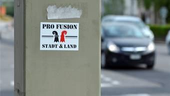 Der Kleber Pro Fusion ziert ein Radarmessgerät in Basel. Roland Schmid