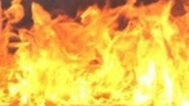 Der Mann zog sich beim Unfall Verbrennungen zu (Symbolbild)