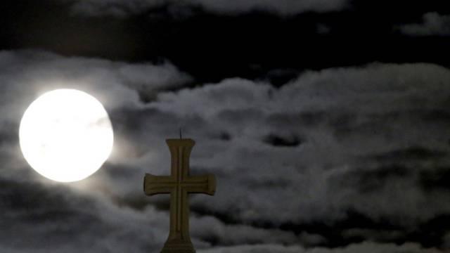 Kindesmissbrauch: ein dunkles Kapitel der katholischen Kirche