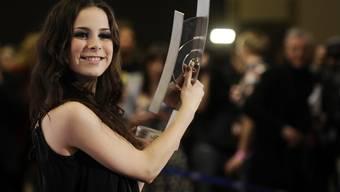 Lena wird als beste Newcomerin national ausgezeichnet