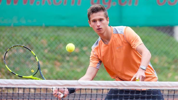 Denis Pluess vom TC Brugg wird zum ersten Mal Aargauer Meister in der U18-Kategorie.