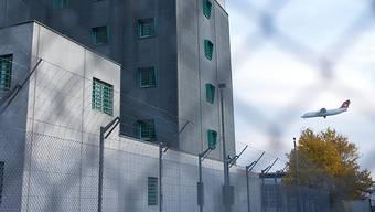 Die Ausschaffung des Mannes soll sobald wie möglich durchgeführt werden. Derzeit sitzt er im Gefängnis. (Symbolbild)