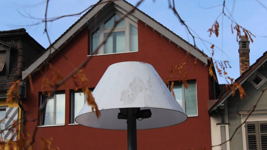 Die Lampen in Gossau haben einen Frühlingsputz bitter nötig.