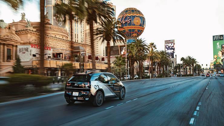 Mit dem i3 Urban Suite präsentiert BMW ein auf Shuttle für den städtischen Raum ausgelegtes Fahrzeugmodell.