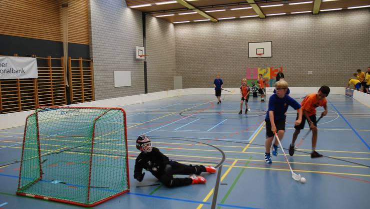 Urdorf beim Unihockey