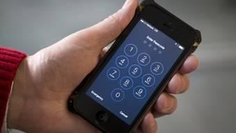 Einer US-Firma ist es offenbar gelungen, den Passwortschutz von Apples iPhone zu knacken. (Symbolbild)