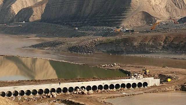 Die Türkei hat die Bauarbeiten am umstrittenen Staudamm wieder aufgenommen (Archiv)