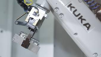 Roboterhersteller Kuka publiziert Gewinnwarnung. (Archivbild)
