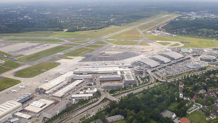 Der Flugbetrieb am Flughafen in Hamburg war am Mittwochabend vorübergehend lahmgelegt. (Archivbild)