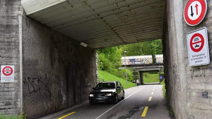 Verkehrsbeschränkungen auf der Tannwaldstrasse. (Archiv)