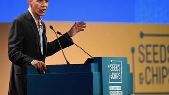 Leger und ohne Krawatte: Der frühere US-Präsident Barack Obama zeigt sich in Mailand optimistisch in Bezug auf die Eigenwilligkeit seines Nachfolgers Donald Trump in Klimafragen.
