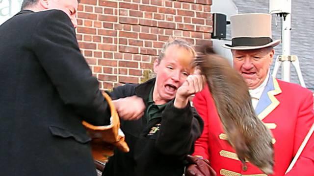 Lapsus: New Yorks Bürgermeister de Blasio lässt das Tier fallen
