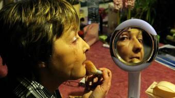 Leben mit einem neuen Gegenüber im Spiegel: Isabelle Dinoire wurde 2005 ein Gesicht transplantiert. Was folgte, war ein langer Leidensweg.