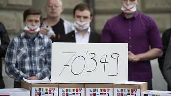 """70'349 Personen haben das Referendum gegen die Erweiterung der Anti-Rassismus-Strafnorm unterschrieben. Die Gegner der Vorlage sprechen von einem """"Zensurgesetz""""."""