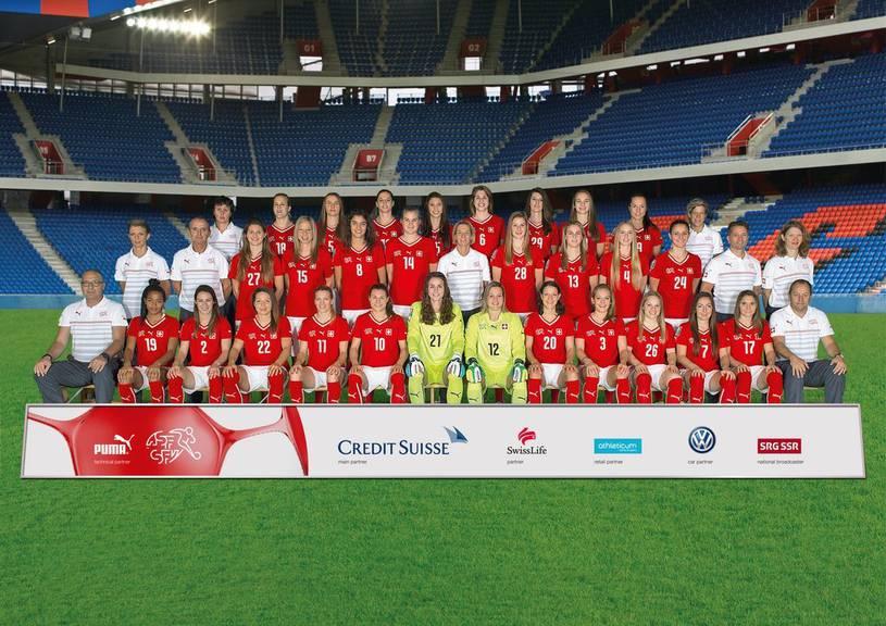 Teambild der Frauen-Fussball-Nationalmannschaft (Keystone/Anthony Anex)