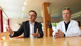 Klinik Arlesheim schreibt schwarze Zahlen: Geschäftsführer Andreas Jäschke (l.), ärztlicher Leiter Lukas Schöb.