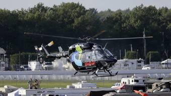 Der Rettungshelikopter transportiert Justin Wilson ins Spital