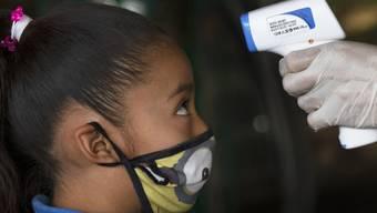 Eine Studie bestätigt, dass Kinder in der Regel einen milden Krankheitsverlauf aufweisen, wenn sie mit dem Coronavirus infiziert sind. (Symbolbild)