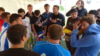 Fairplay und Kommunikation standen am Fussballturnier in Kosovo im Zentrum. Die Fricktaler amteten als Spielbeobachter.zvg