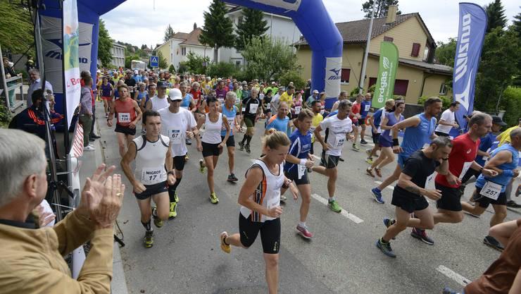 Insgesamt 332 Läuferinnen und Läufer (74 Frauen und 258 Männer) beendeten den Grenchenberglauf 2017.