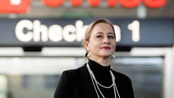 Sandrine Nikolic-Fuss, 51, Präsidentin der Gewerkschaft des Kabinenpersonals Kapers, versucht der Swiss mit Sparmassnahmen entgegenzukommen, um Entlassungen so gut wie möglich zu verhindern.