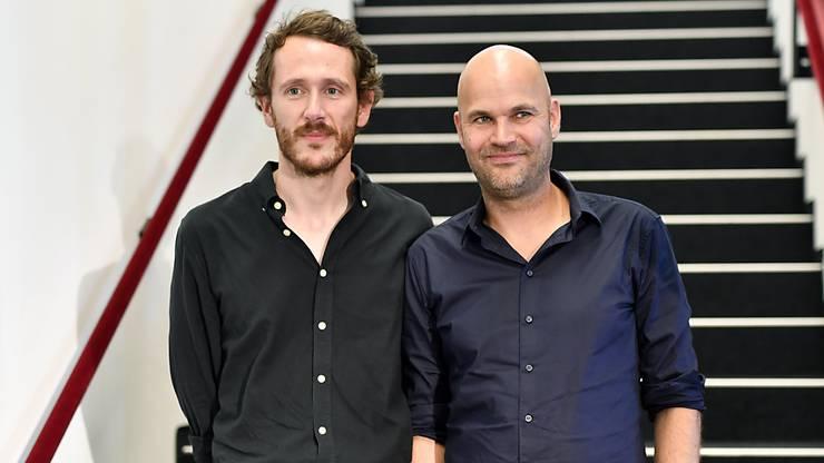 Der Dramaturg Benjamin von Blomberg, links, und der Regisseur Nicolas Stemann, rechts, leiten das Zürcher Schauspielhaus.