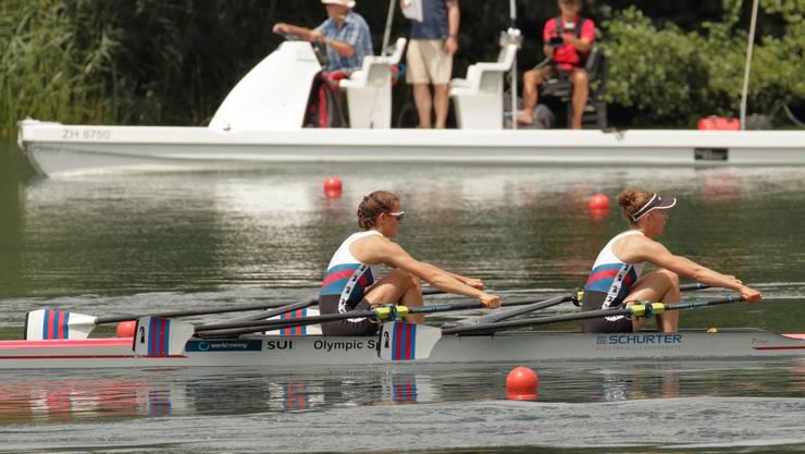 Katharina Ebert und Meret Renold im Endspurt auf dem Rotsee
