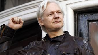 Der seit fünfeinhalb Jahren in der ecuadorianischen Botschaft in London festsitzende Wikileaks-Gründer Julian Assange erhält von Ecuador die Staatsbürgerschaft.